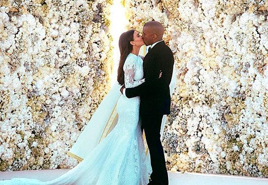 En efecto: esta imagen de la boda de Kimye es la más 'megusteada' de la historia de la red social.  © @kimkardashian