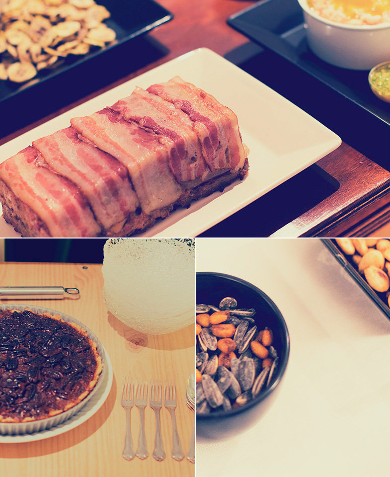 Pastel de carne, Deviled Almonds, frutos secos... © Fernando Zaragozá