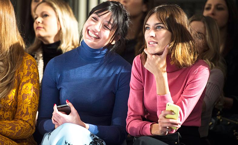 Alexa y Daisy en la primera fila de Emilia Wickstead © Cordon Press