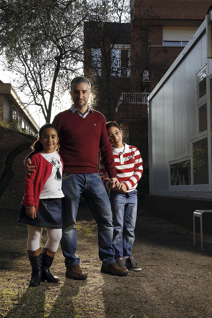 Ana, Víctor y Miguel, una familia de tres muy bien avenida. © Luis Rubio y Adolfo Callejo