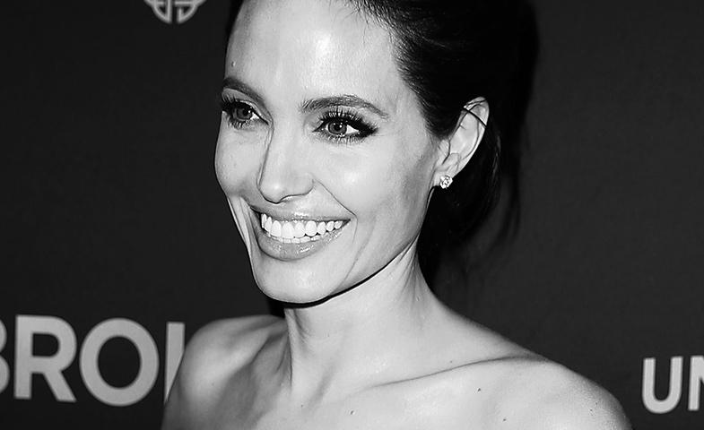 Angelina posa sonriente en plena promoción de 'Unbroken' el pasado mes de noviembre. © Cordon Press