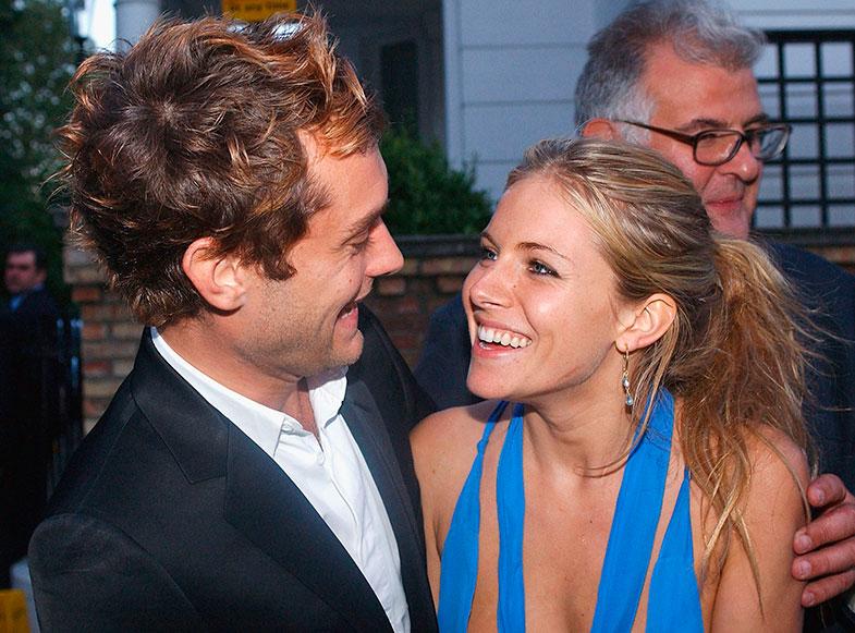 En el 2005 Sienna Miller presumía de Jude law y de estilo boho (no necesariamente en ese orden). © Getty Images