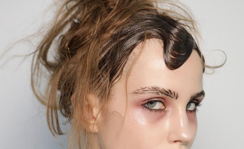 ¡Uy qué malos pelos! A ver si te estás pasando con el champú... © Mondadori Photo