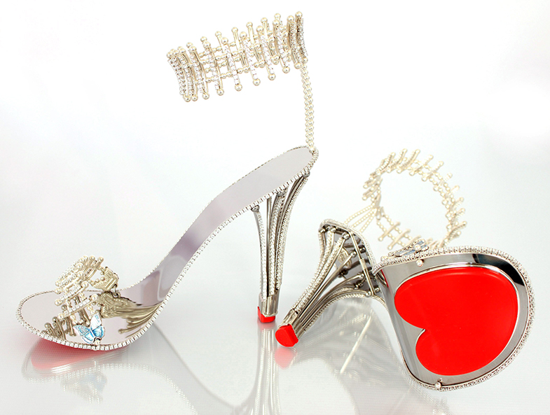 A los zapatos de Beyoncé no les falta detalle: tampoco una suela con forma de corazón. © Cordon Press