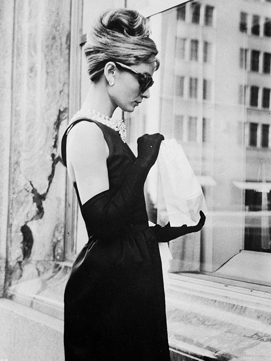 """""""Necesito que sepan quién era, bajo ese vestido y esas gafas negras"""", explica Luca en el prólogo del libro. © Cordon Press"""