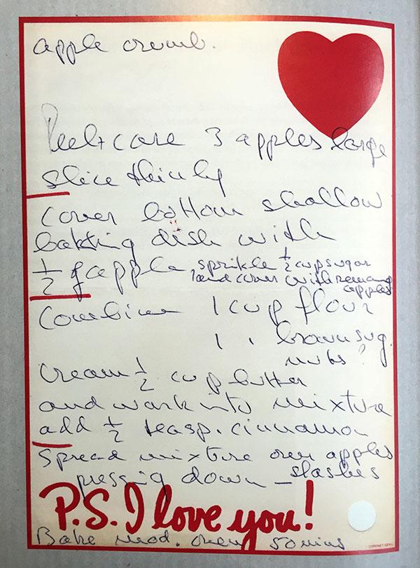 La receta del pastel de manzana, rescata de los apuntes de Audrey. © Audrey en casa