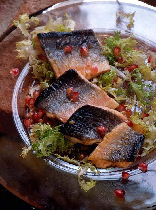 El salmón, el alimento con más Omega 3, te proporcionará brillo. © Cordon Press