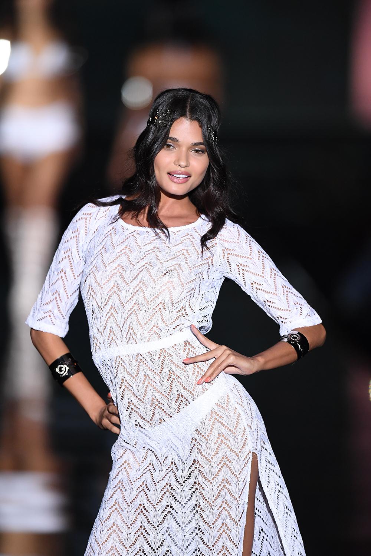 Daniela Braga, la modelo que pasó de cajera en una farmacia a imagen de Givenchy por obra y gracia de un cazatalentos avispado. © Cortesía de Calzedonia
