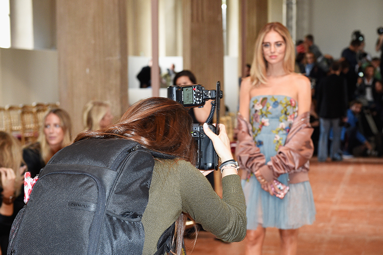 """""""La 'influencers' están fuera del sistema tradicional de la moda. Interpretan a su manera la moda y la difunden a través de sus canales"""", cuenta la directora de Grazia Italia Silvia Grilli. © Getty Images"""