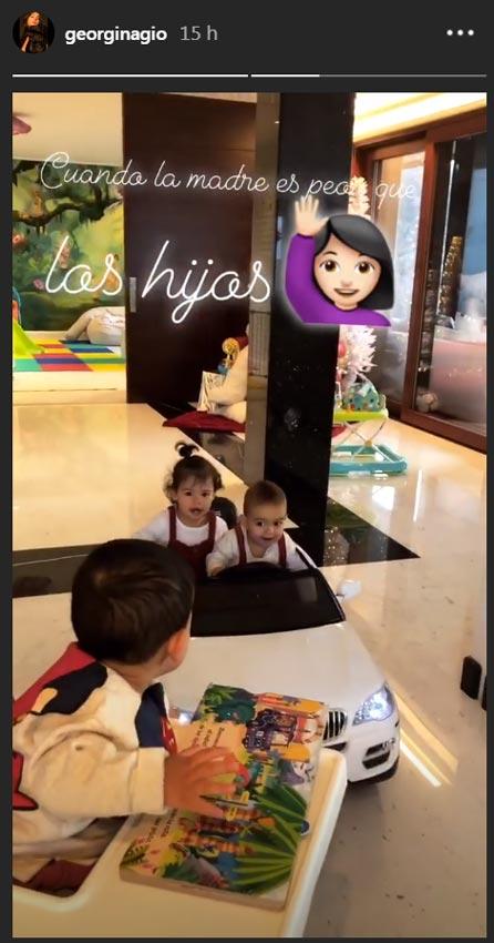 A los hijos de Georgina y Cristiano Ronaldo también les gustan los coches caro