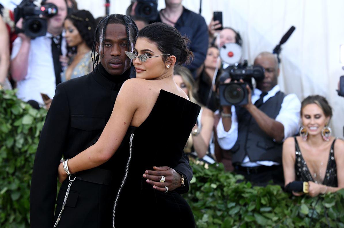 el compromiso de Kylie Jenner y Travis Scott