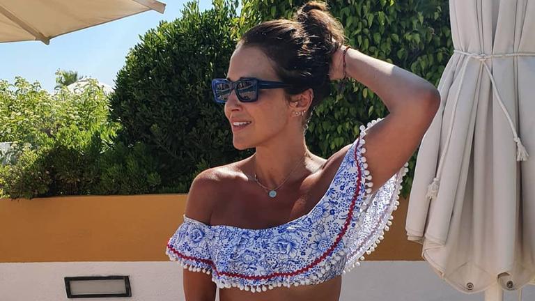 El bikini de Paula Echevarria es de Calzedonia y ahora está a mitad de precio