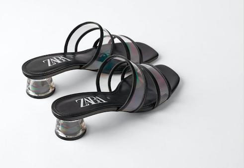 Bella Hadid lleva las sandalias de vinilo de Zara definitivas