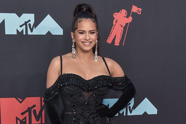 Rosalía deslumbra en los MTV VMAs con tres looks total black
