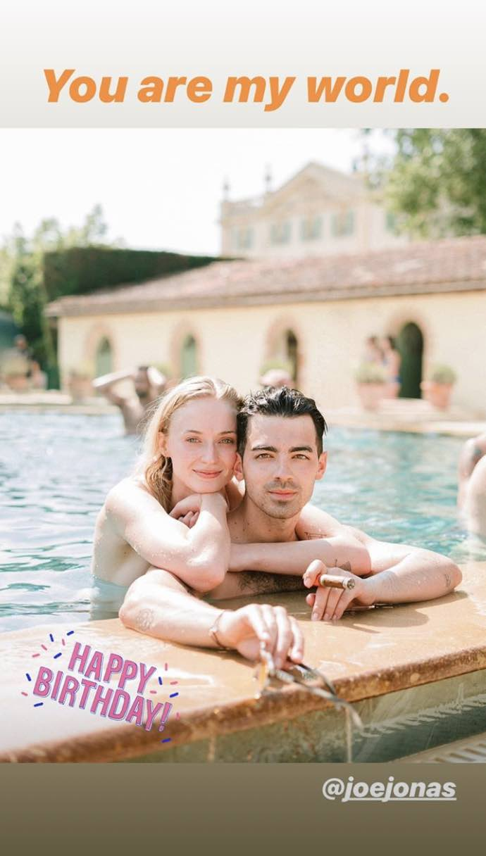 Sphie Turner sorprende a Joe Jonas en su cumpleaños en un concierto