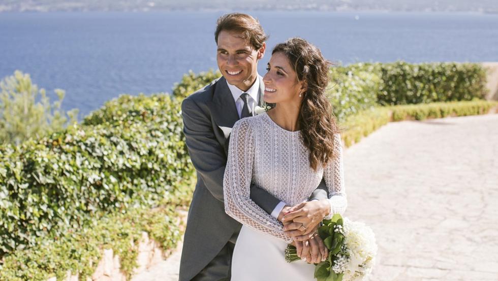 Rosa Clará firma los dos vestidos de novia de Mery Perelló en su boda con Mery Perelló