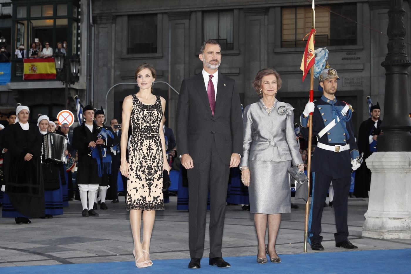 Todos los looks como reina de doña Letizia en los Premios Princesa de Asturias