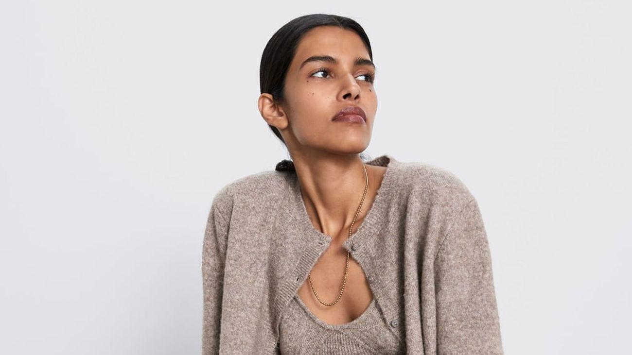 Zara y su homenaje al CardiBra de cashmere de Katie Holmes