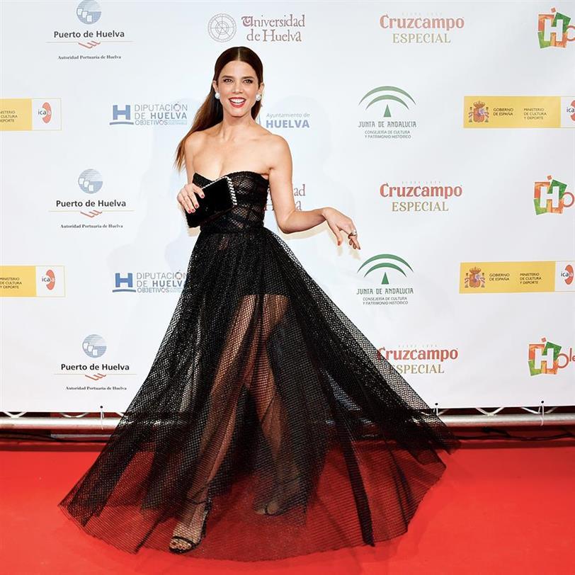 Juana Acosta recibe el Premio Ciudad de Huelva con un vestidazo de Dior