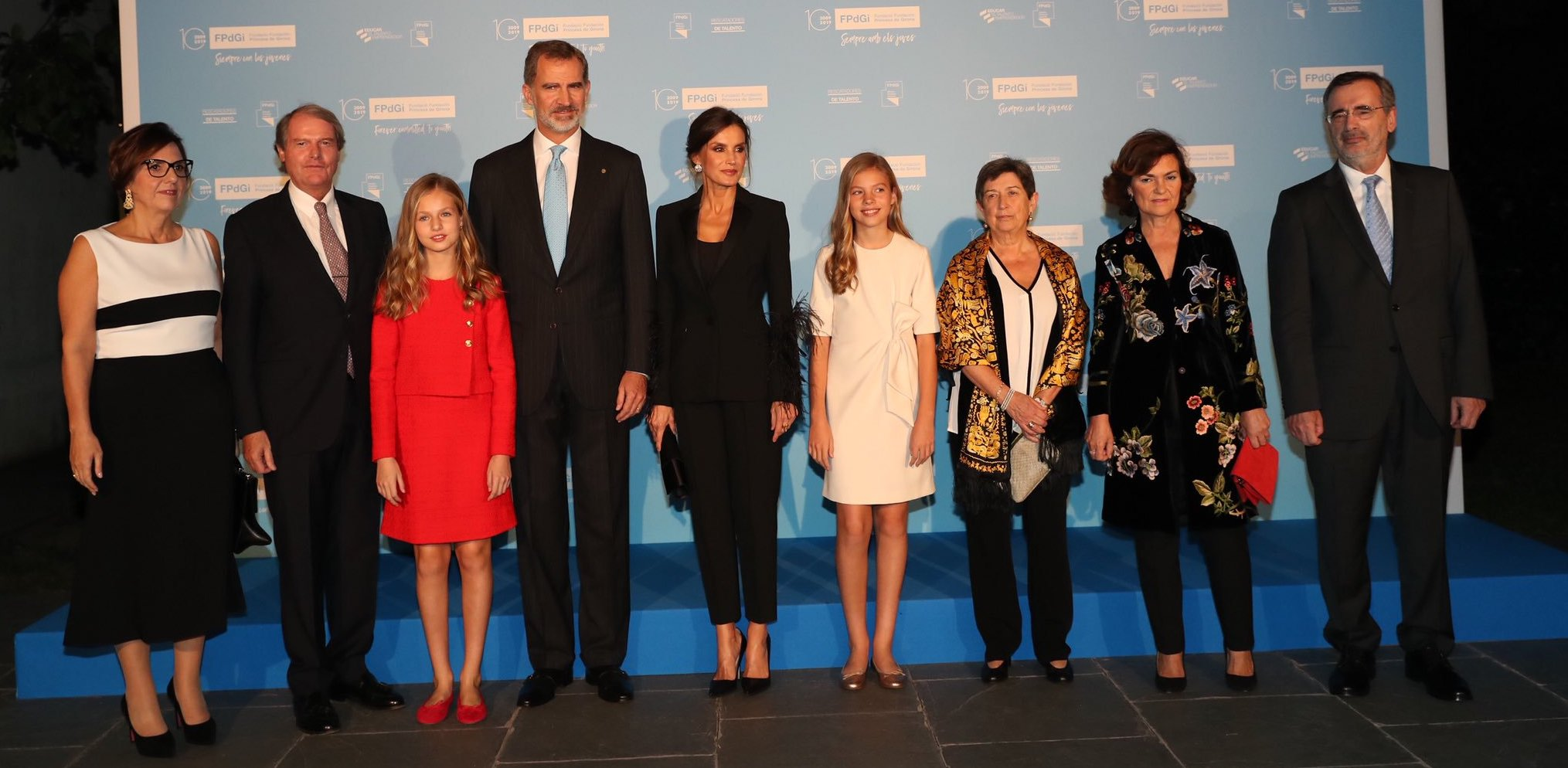 La princesa Leonor de rojo y la reina Letizia de negro en la entrega de los Premios Princesa de Girona, toda una lección de estilo