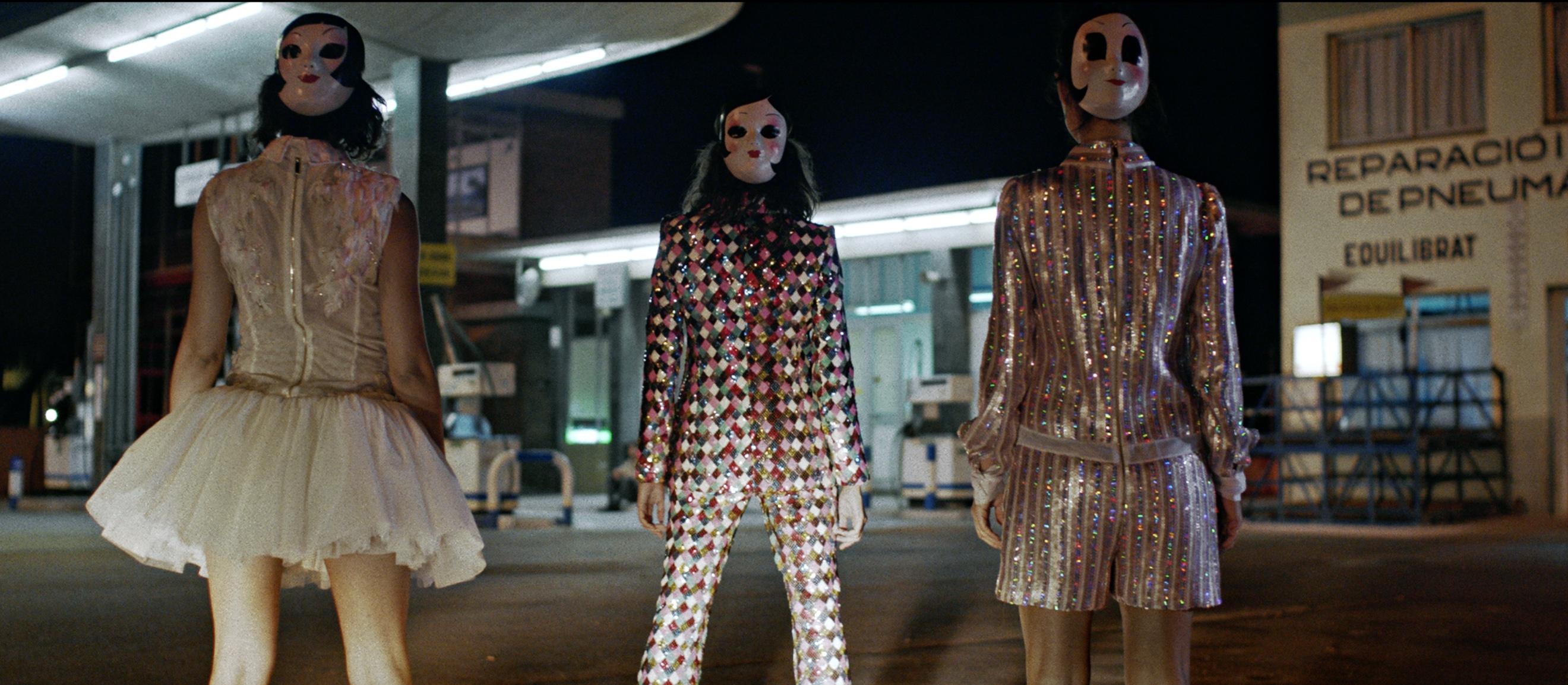 Teresa Helbig lanza un fashion film con Úrsula Corberó que une cine y moda
