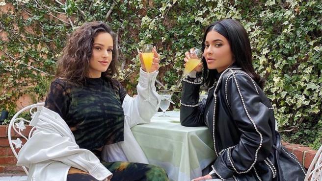 Rosalia y Kylie Jenner se van de brunch en Los Ángeles