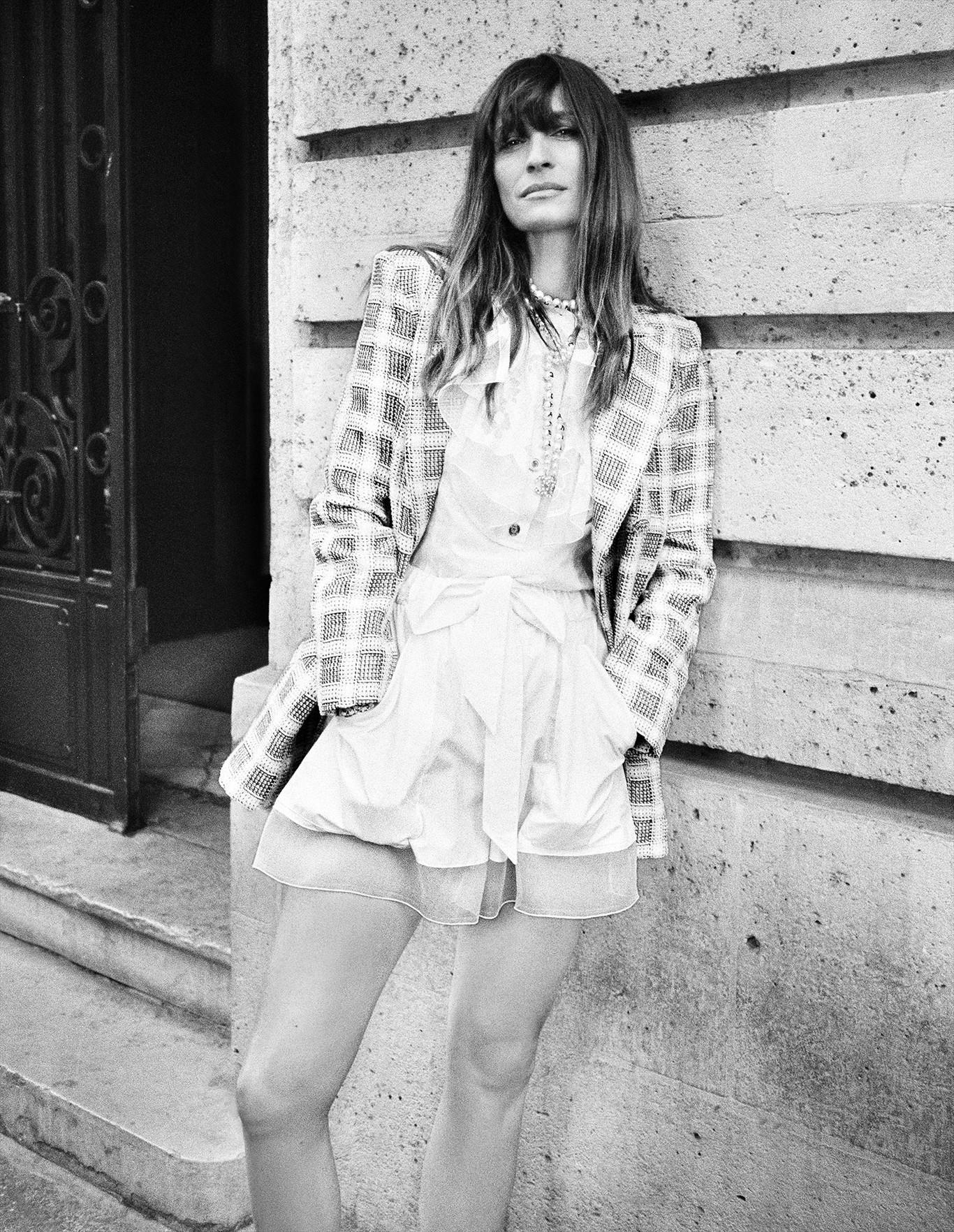 La pre-coleccion spring-summer 2020 de Chanel y Virginie Viard junto a Caroline de Maigret