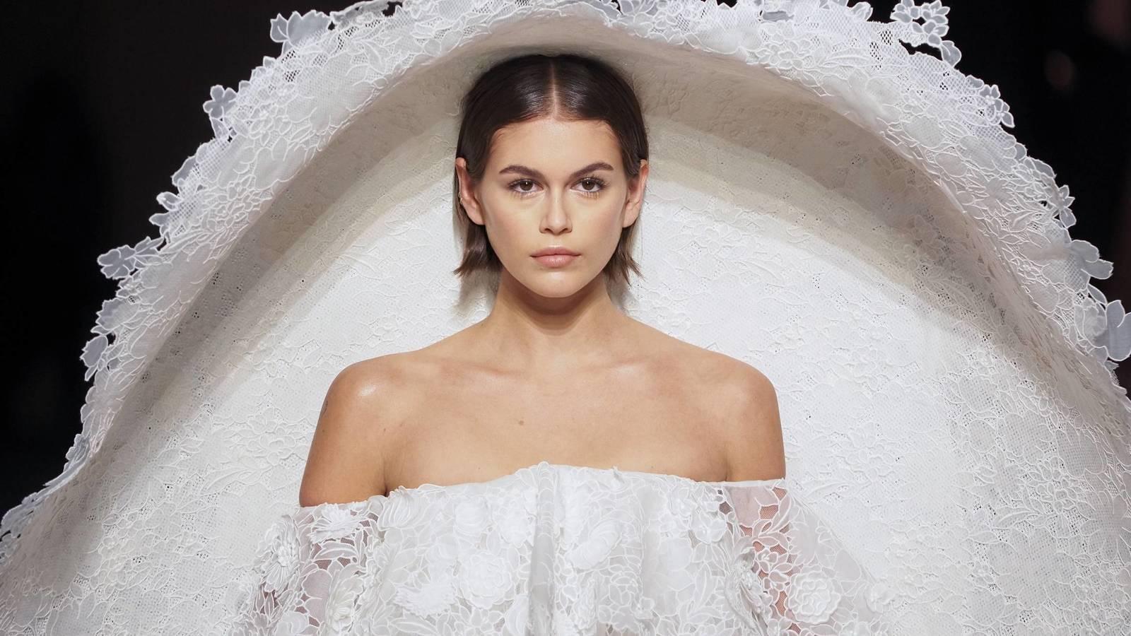 El desfile de Alta Costura primavera verano 2020 de Givenchy se inspira en los jardines