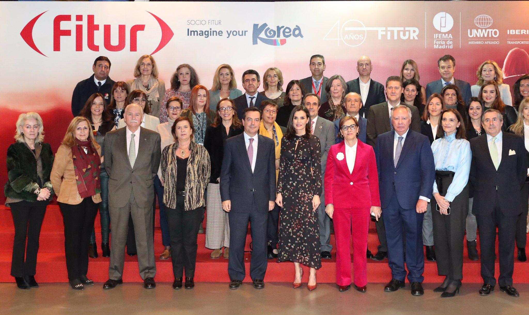 La reina Letizia inaugura la edición 40 de Fitur 2020 con un vestido de Massimo Dutti