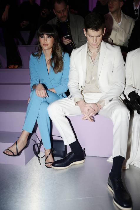 Aitana y Miguel Bernardeu, a juego, en el 'front row' de la Semana de la Moda de Milán