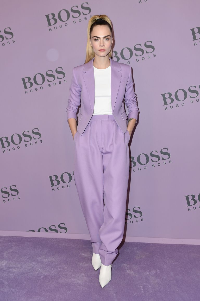 Cara Delevingne demuestra que el lila es el color de la temporada y estas prendas de Zara lo confirman