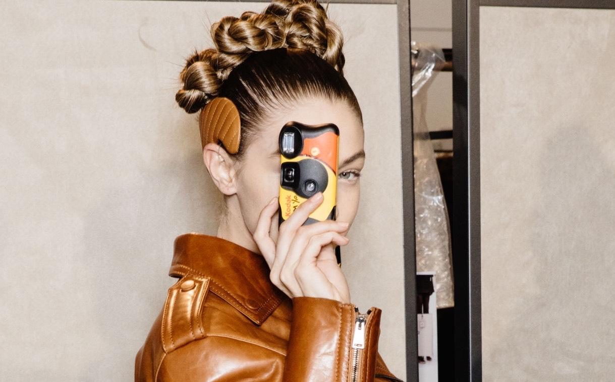 Gigi Hadid se pasa a la fotografía analógica y así es el resultado