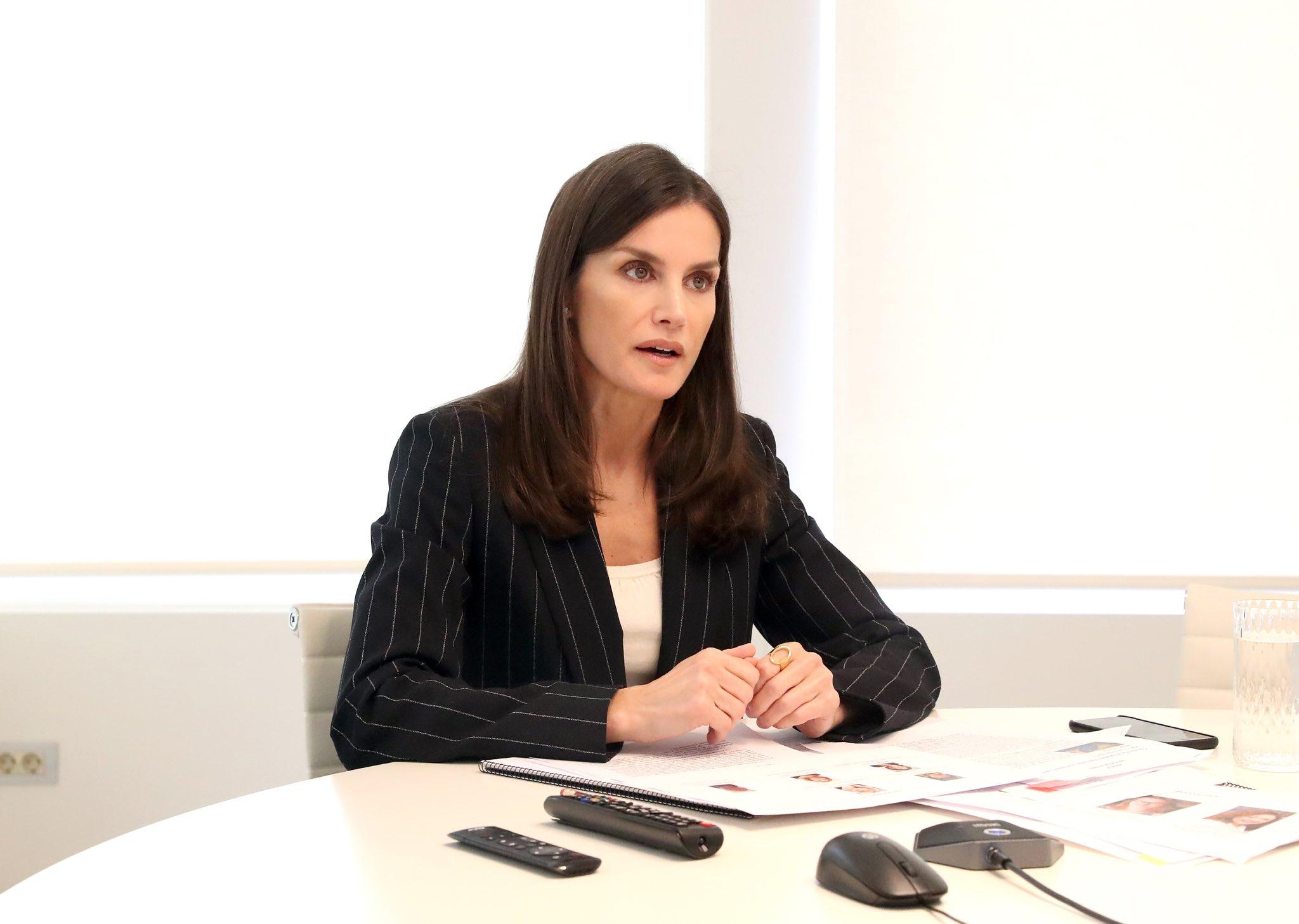 Blazer, el nuevo protagonista de la agenda de la reina Letizia desde su oficina