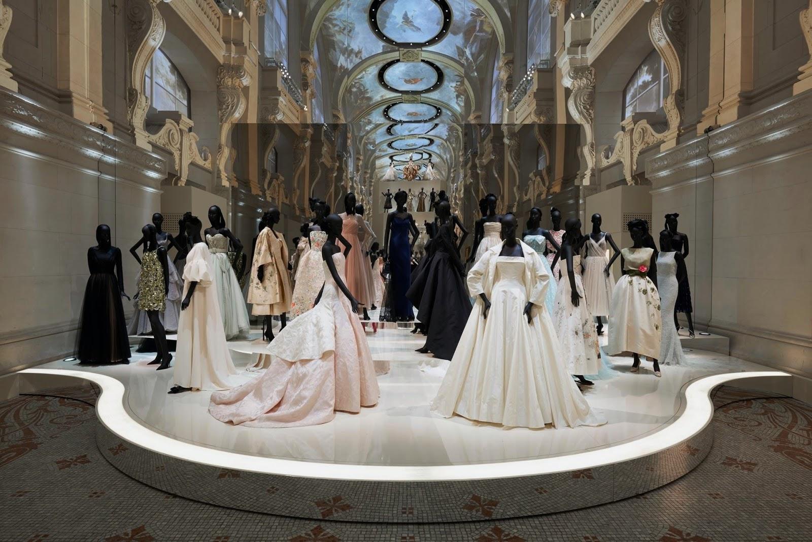 Dior invita a (re)vivir la preciosa exposición que celebró los 70 años de la maison