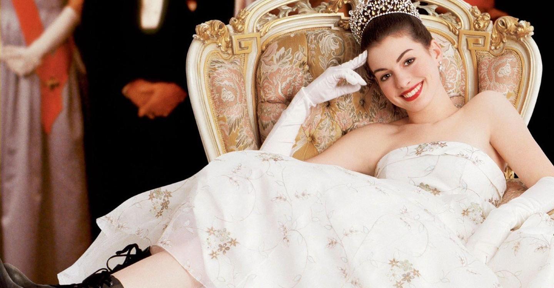 Anne Hathaway se corona con el #PillowChallenge más espectacular