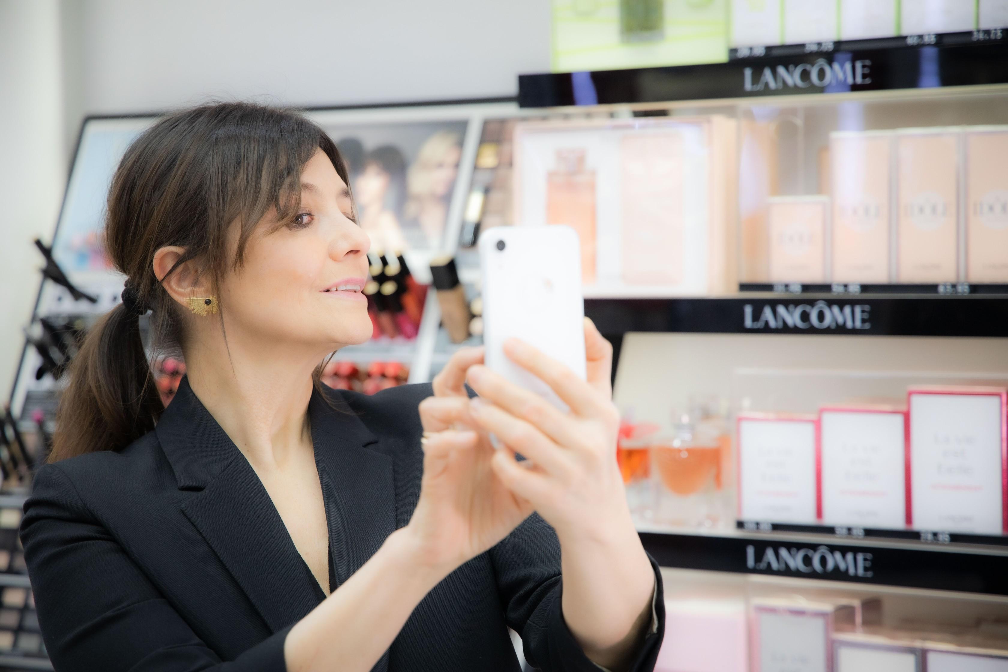 Inteligencia artificial, live chats y clases online, así será la perfumería post covid