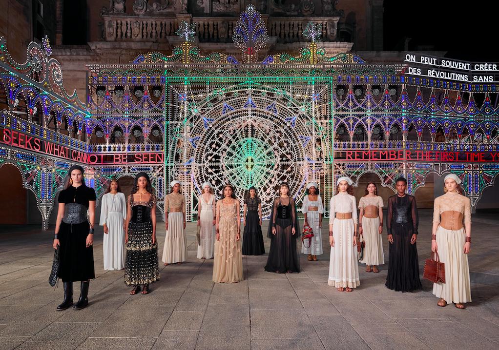 Dior presenta una mágica colección Crucero 2021 que nos regresa a nuestros ancentros