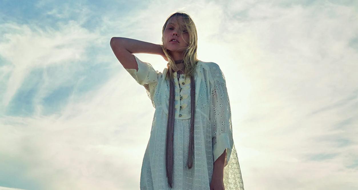 Todo los vestidos blancos están en la colección de edición limitada de Zara
