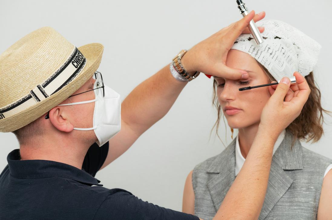 La nueva máscara de pestañas de Dior, la clave del beauty look de la colección Cruise 2021