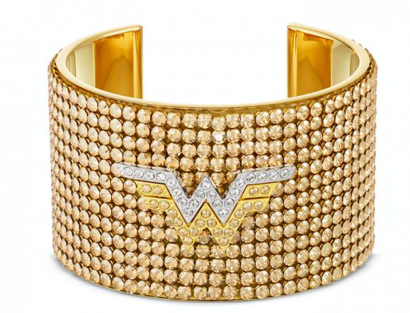Swarovski celebra la próxima película de WONDER WOMAN 1984 creando dos nuevas colecciones de joyas