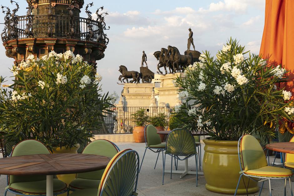 Four Seasons Madrid: abre el hotel más lujoso de la capital (y el primero en España)