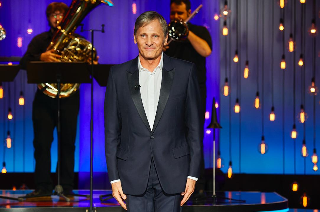 Viggo Mortesen recoge el Premio Donostia vestido de Dior Men