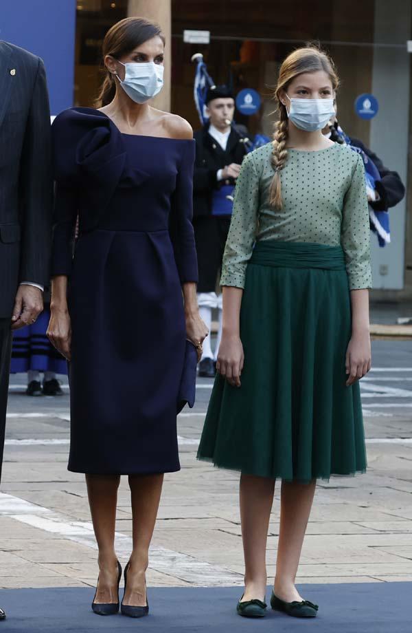 La reina Letizia rompe con la tradición en los Premios Princesa de Asturias 2020: sin estreno, sin Varela y con vestidazo