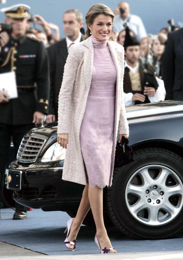 La reina Letizia apuesta por un Delpozo en los Premios Princesa de Asturias 2020