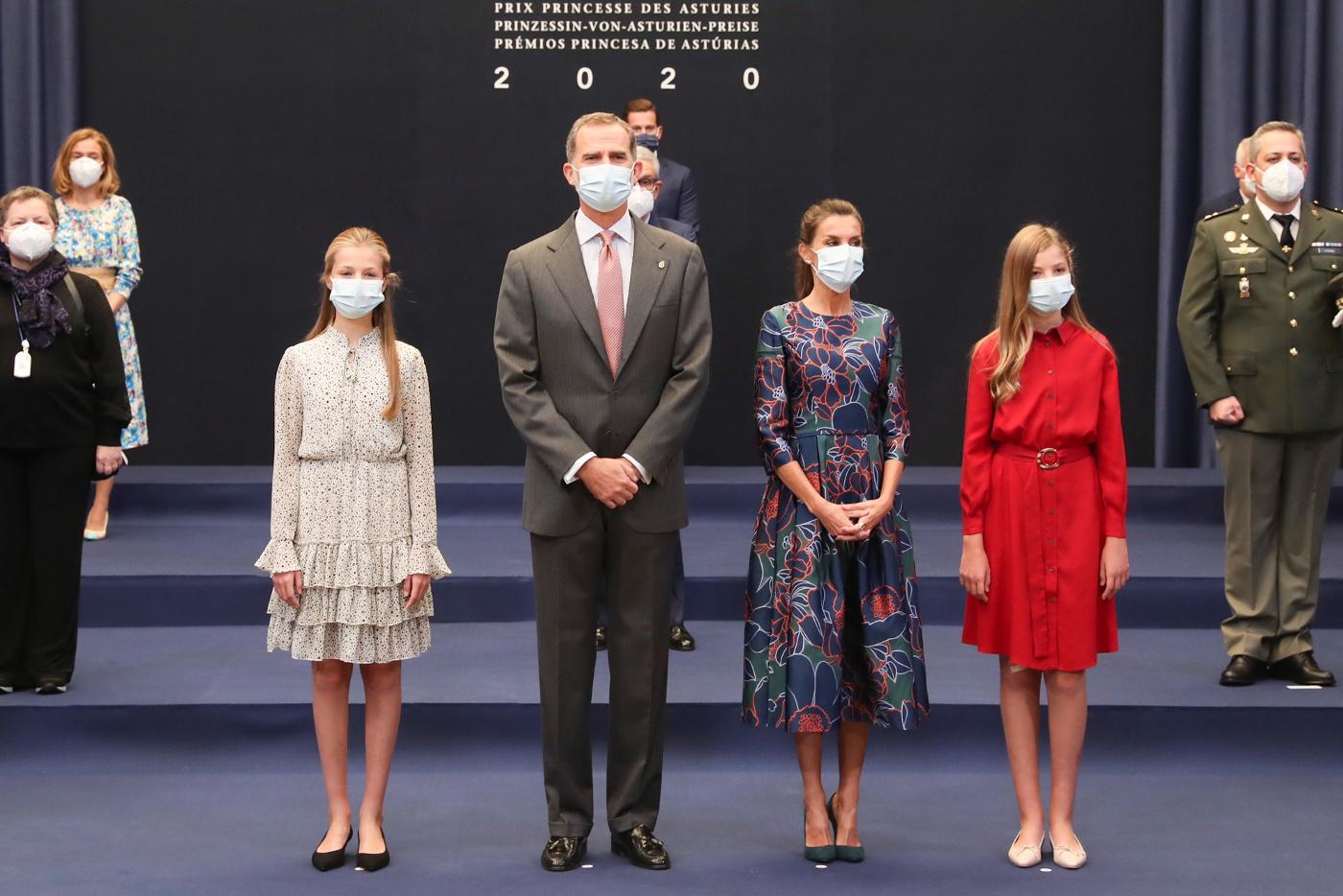 La reina Letizia recupera su Carolina Herrera para el evento matinal de los premios Princesa de Asturias 2020