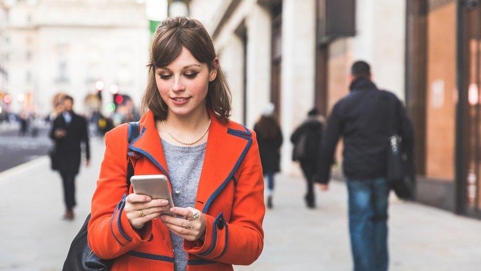 Instagram lanza una nueva herramienta llamada 'Guías' y te contamos cómo usarla