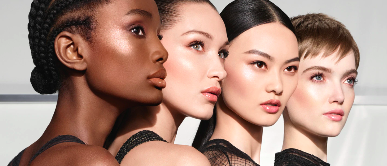 Dior trae a España su mágico espejo virtual