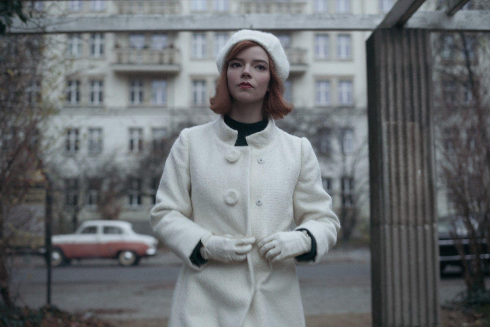 La exposición virtual del vestuario de 'The Crown' y 'Gambito de dama' que no te puedes perder
