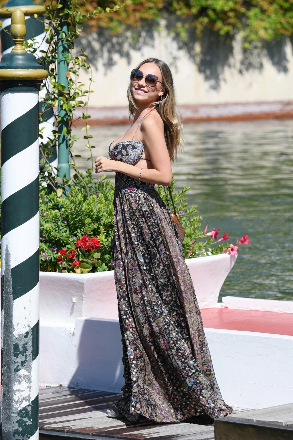 El estilo de Ester Expósito o cómo ser la reina del 2020