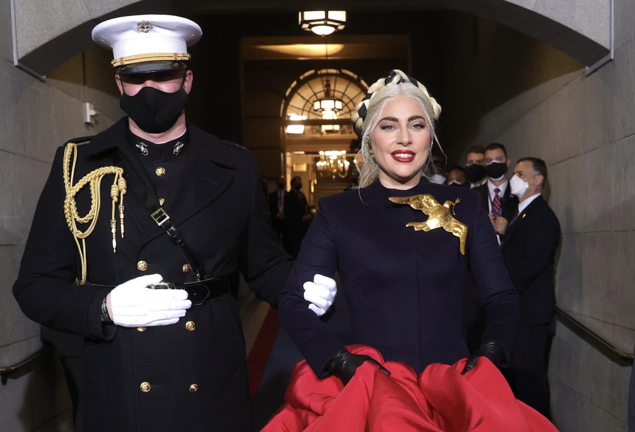 Lady Gaga triunfa en la toma de posesión de Joe Biden con un vestido Haute Couture